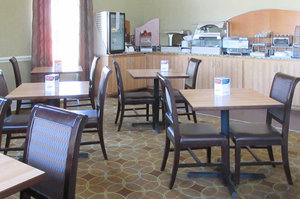 Restaurant - Comfort Inn & Suites Greenwood