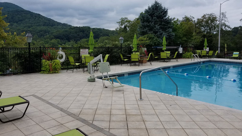 Holiday Inn ASHEVILLE-BILTMORE EAST - Asheville, NC