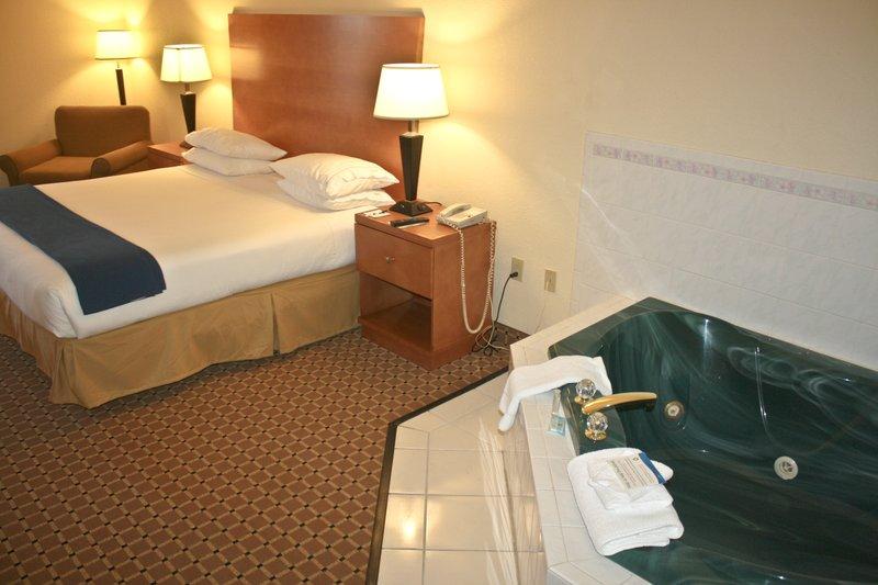 Holiday Inn Express GREER/TAYLORS @ US 29 - Greer, SC