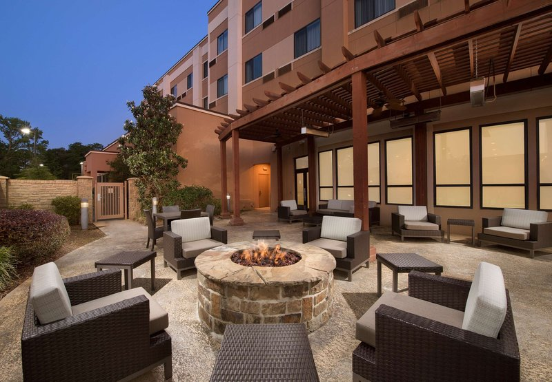 Courtyard By Marriott Tyler