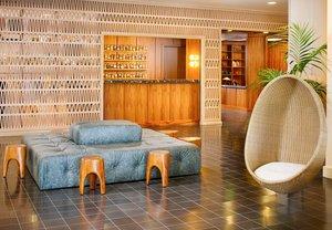 Lobby - Laylow Hotel Honolulu