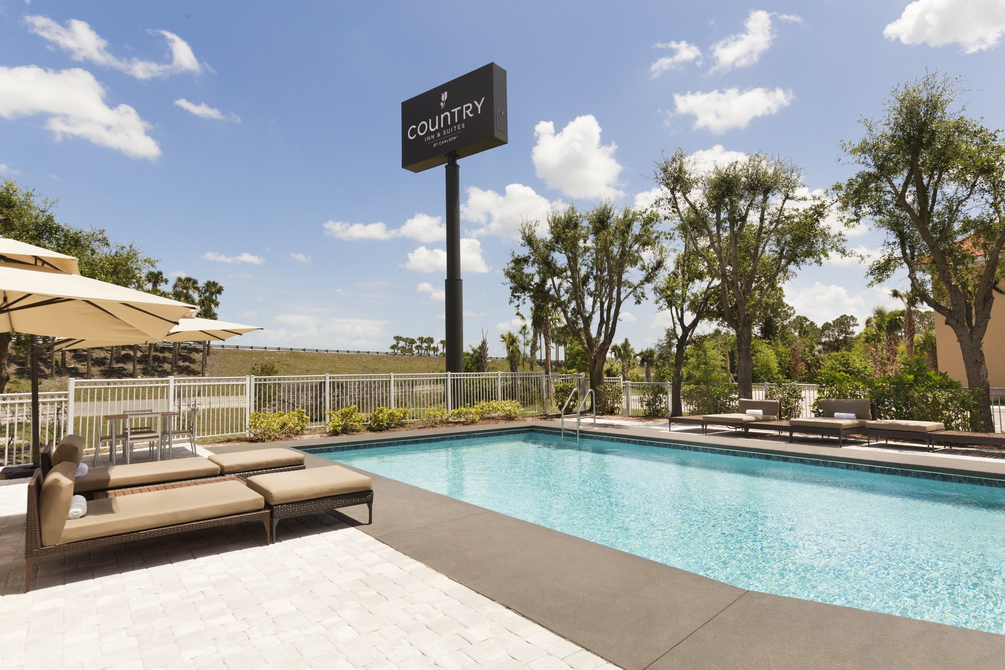 Country Inn & Suites Vero Beach-I-95