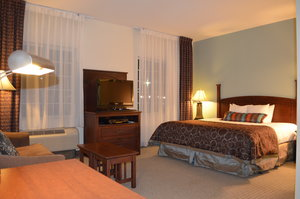 Room - Staybridge Suites Columbus