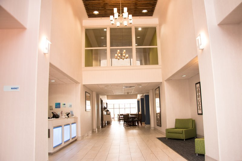 Holiday Inn Express & Suites TYLER NORTH - Tyler, TX