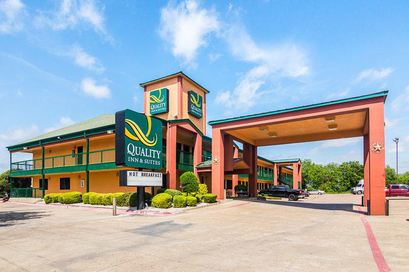 QUALITY INN AND SUITES GARLAND