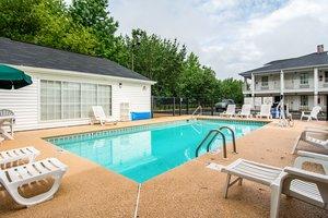 Pool - Quality Inn Jasper