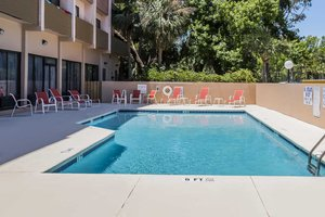 Pool - Grand Hilton Head Inn