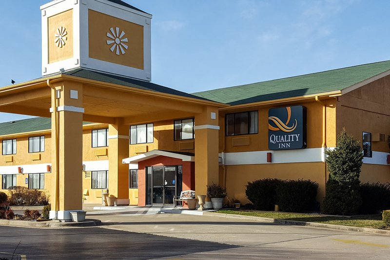 QUALITY INN OZARK