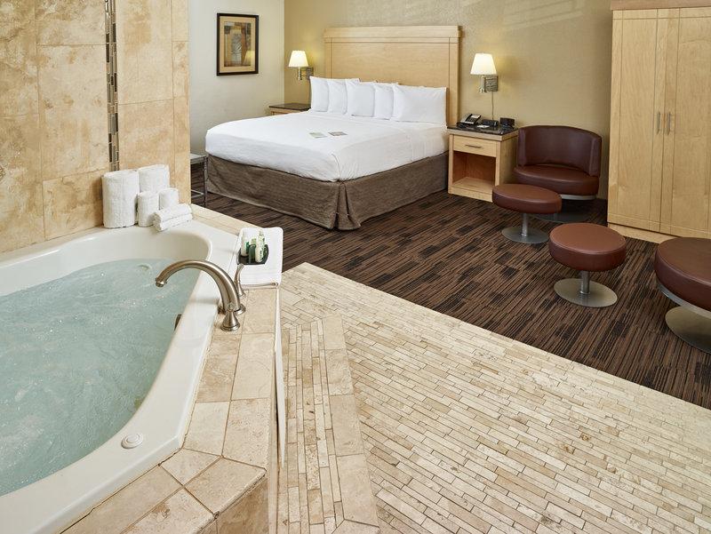 LIVINN HOTEL MAPLEWOOD