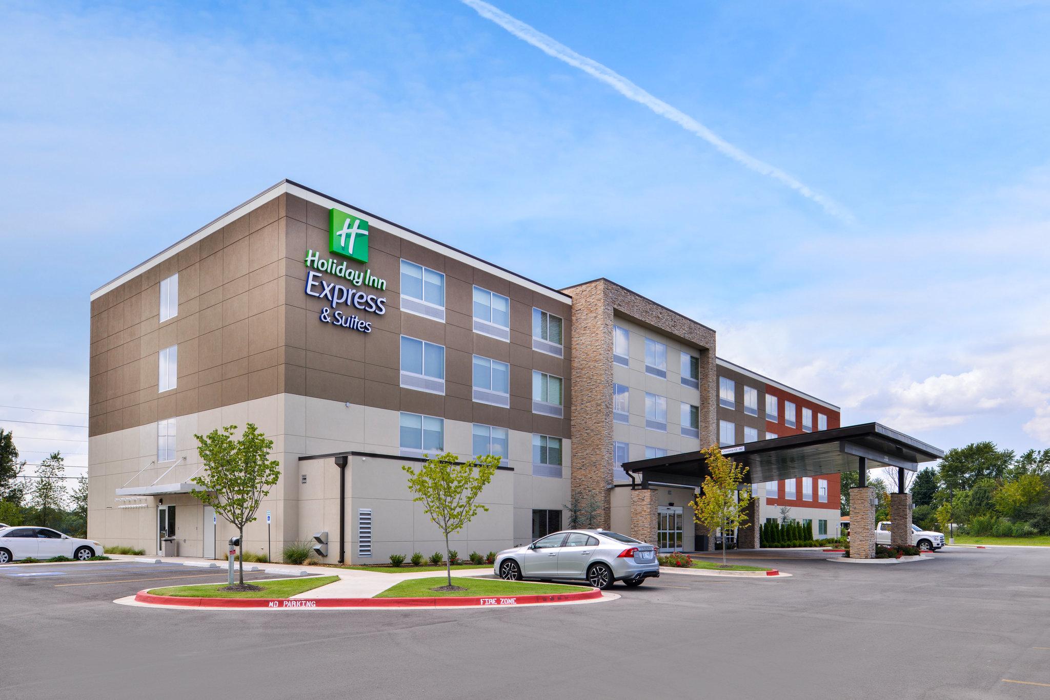 Holiday Inn Express & Stes Siloam Sprgs