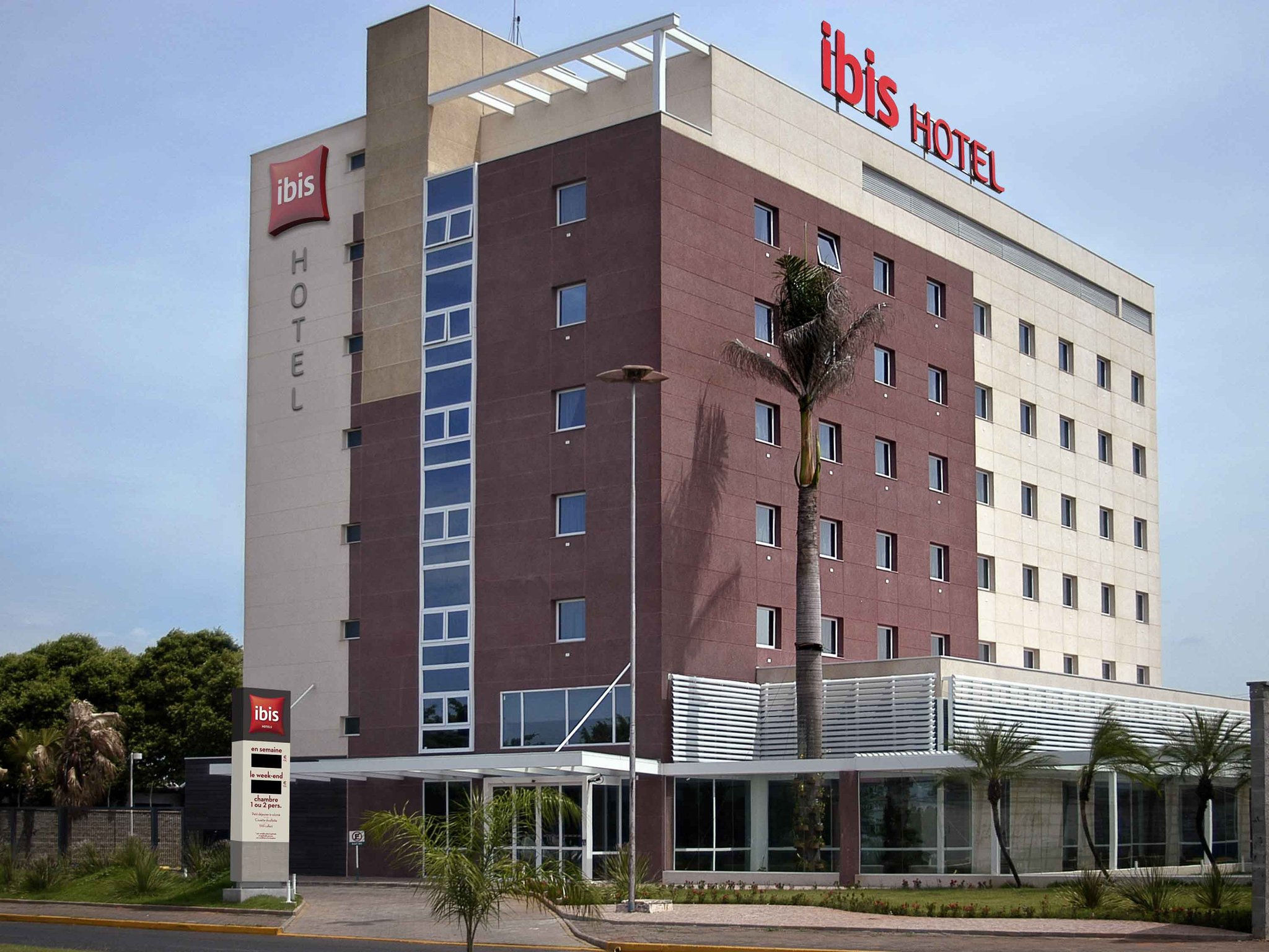 Hotel Ibis Lins