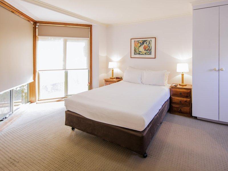 Mercure Ballarat Hotel & Convention Centre | 613 Main Road, Ballarat, Victoria 3350 | +61 3 5327 1200