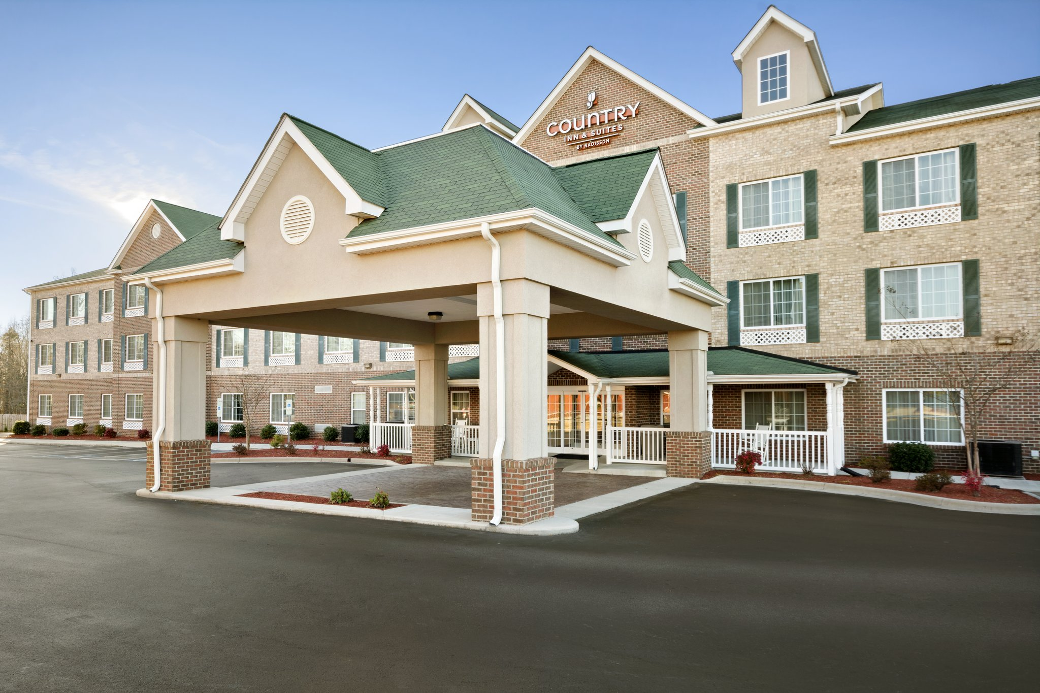 Country Inn & Suites, High Point NC