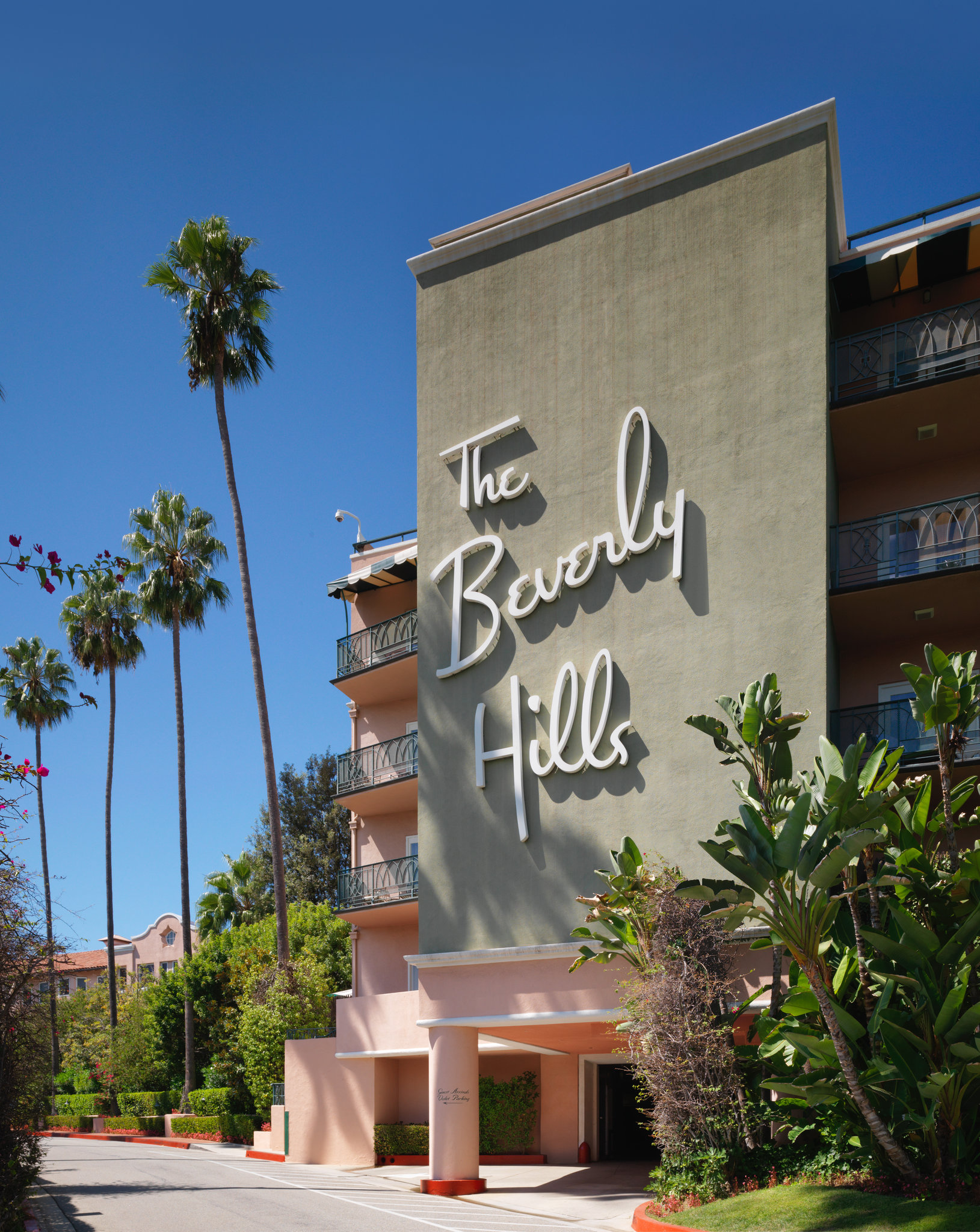 The Beverly Hills Hotel & Bungalows- Deluxe Beverly Hills