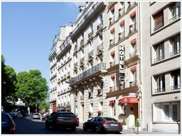 Poussin Hotel