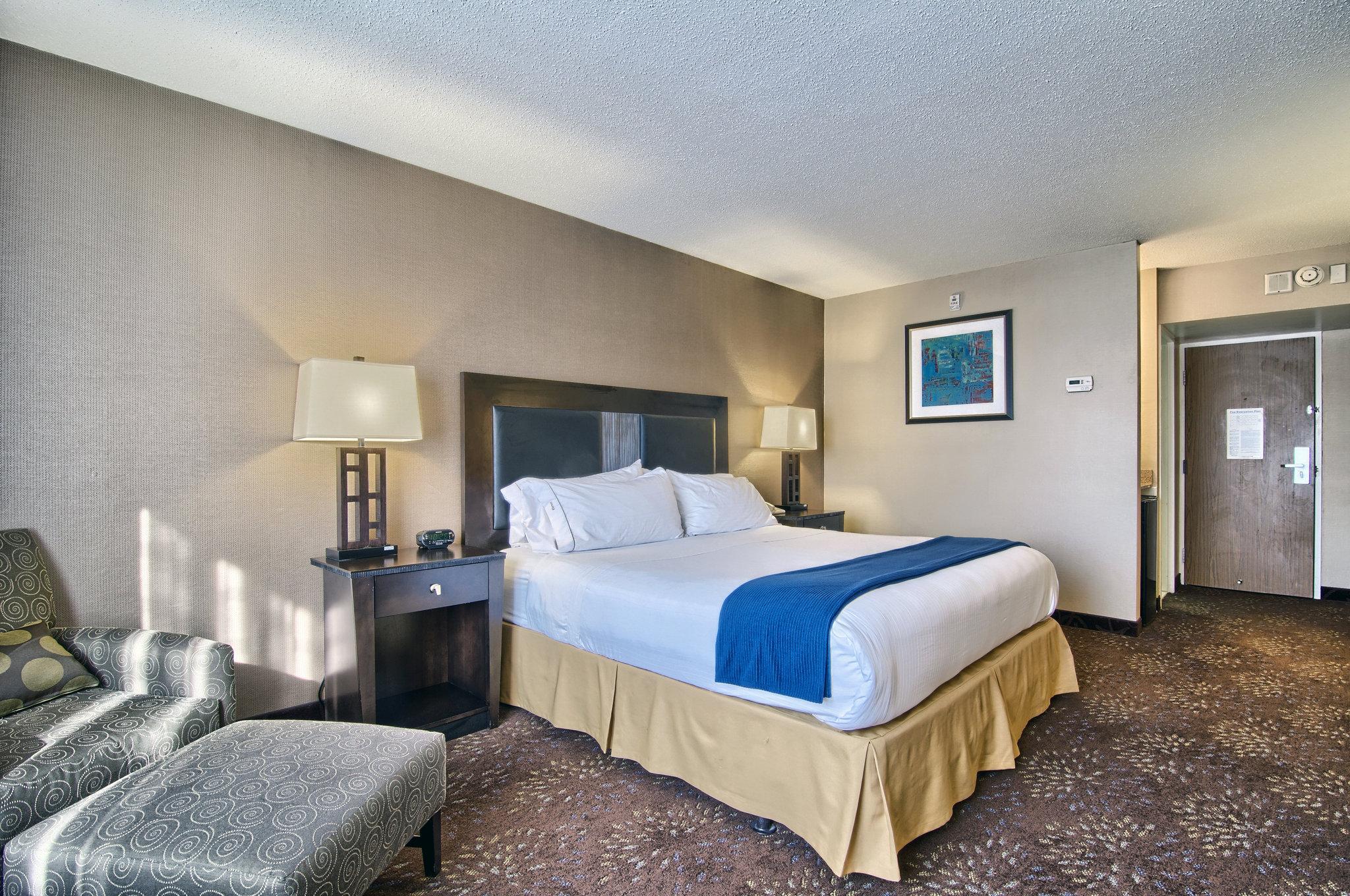 Holiday Inn Express-Detroit/Birmingham