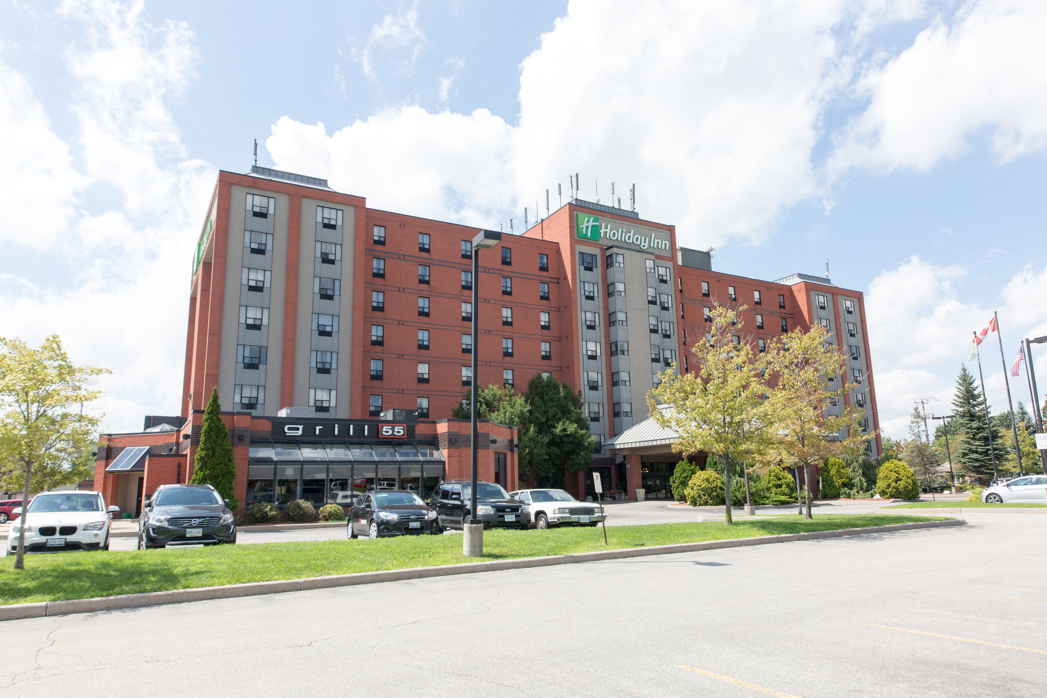Holiday Inn and Suites Windsor