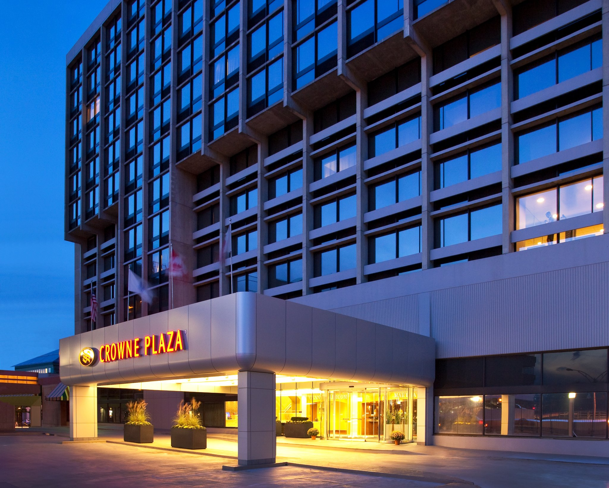 Crowne Plaza Hotel Boston/Newton