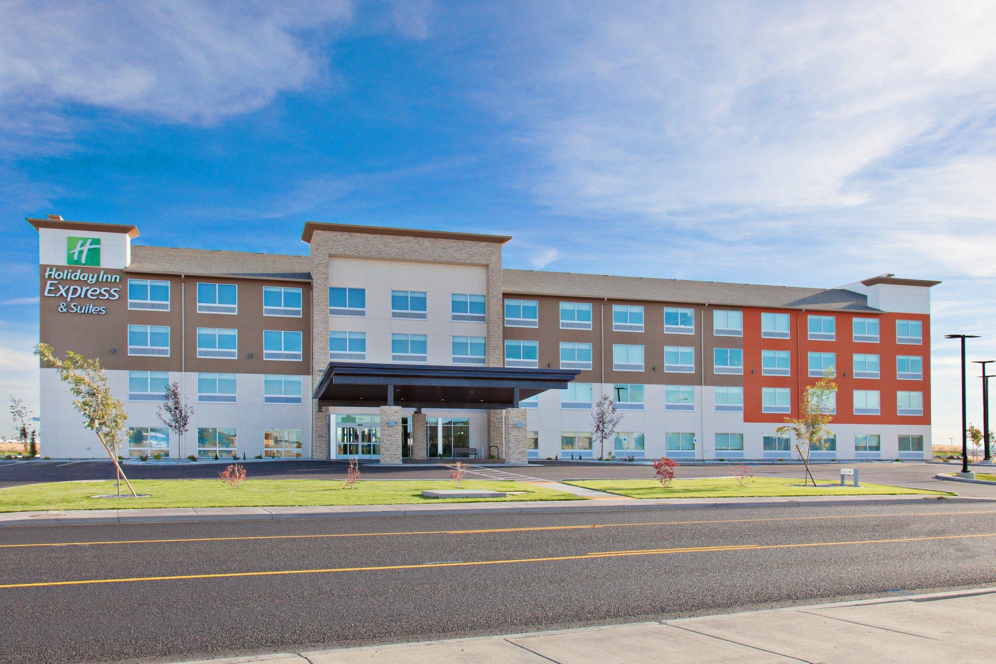 Holiday Inn Express & Suites Moses Lake