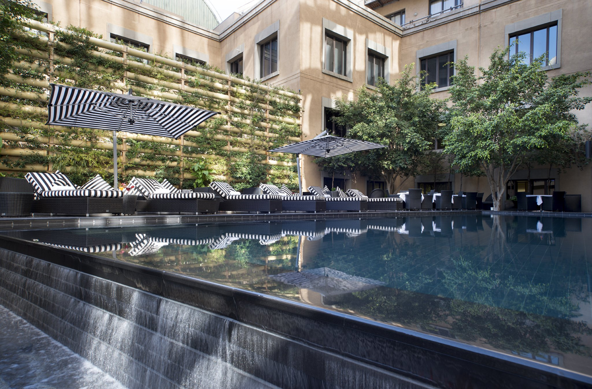 DaVinci Hotel & Suites