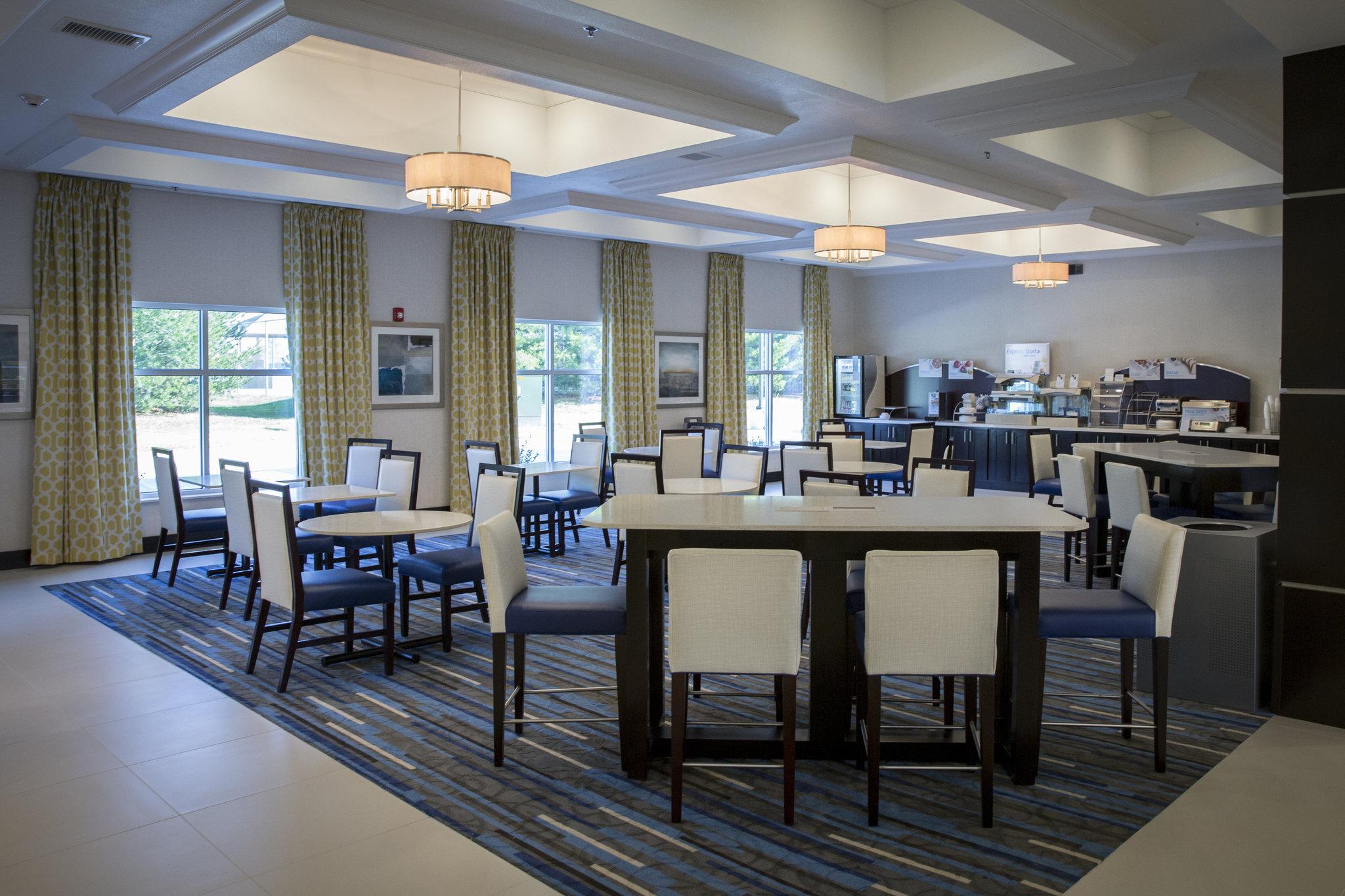 Holiday Inn Express & Stes Edwardsville
