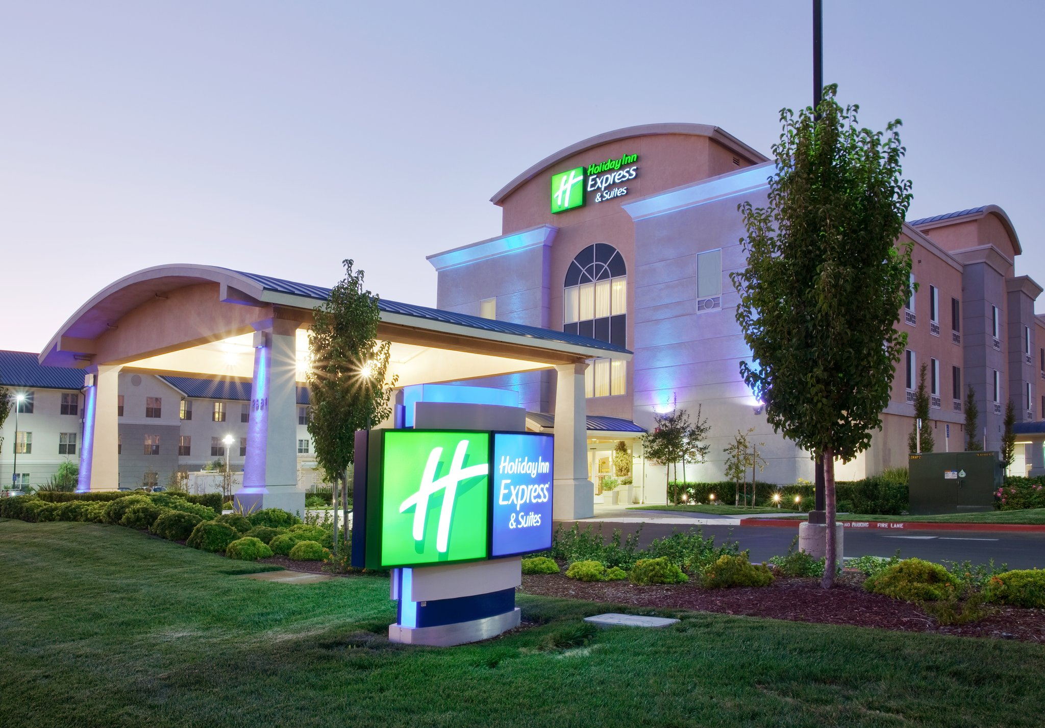 Holiday Inn Express Sacramento Airport