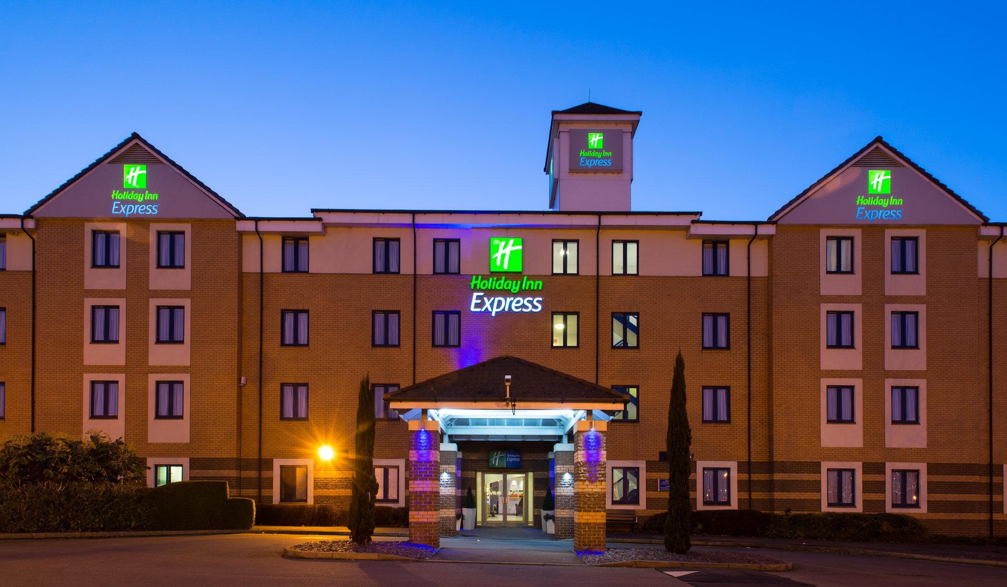 Holiday Inn Express Dartford Bridge