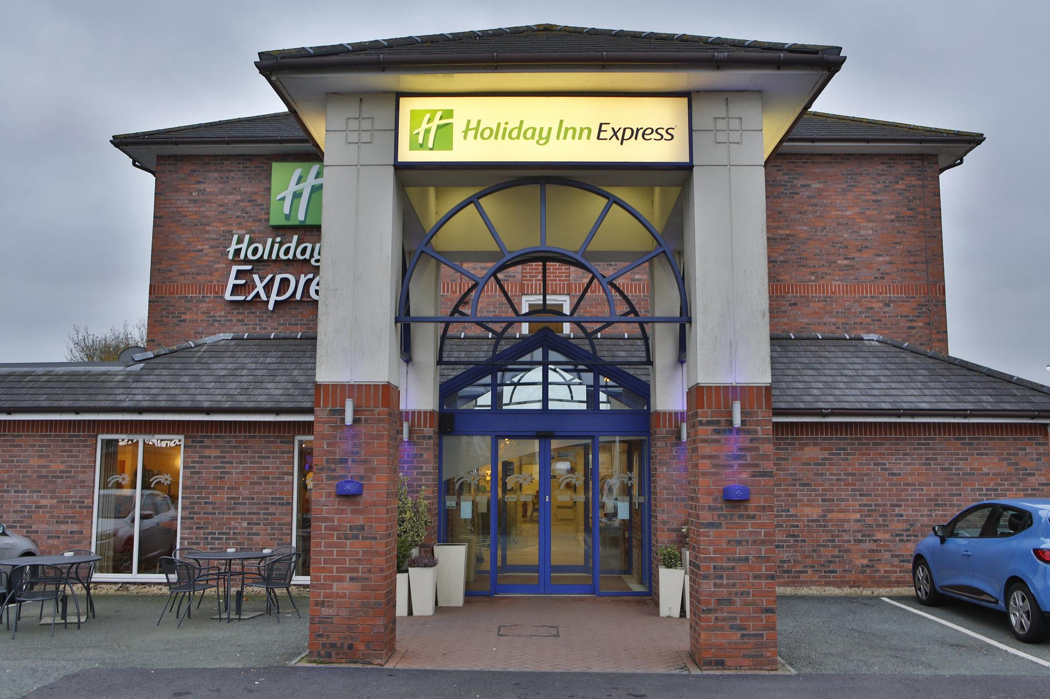 Holiday Inn Express Lichfield Hotel