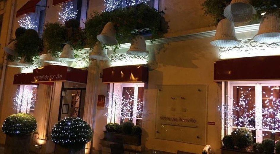 Hotel De Banville