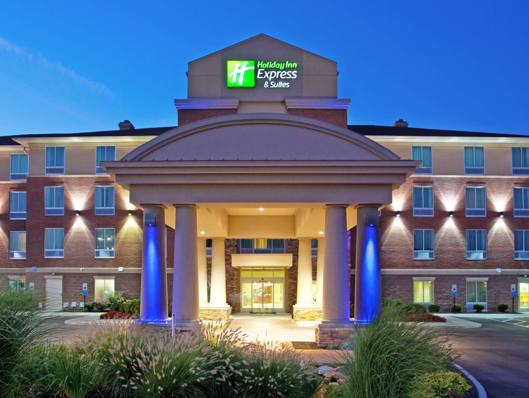 Holiday Inn Express & Suites Mason