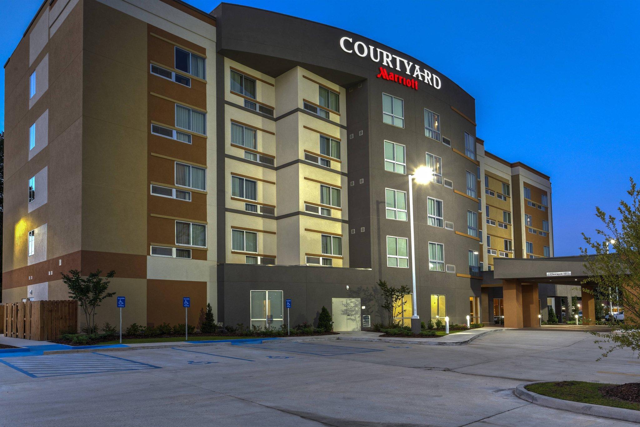 Courtyard Hammond