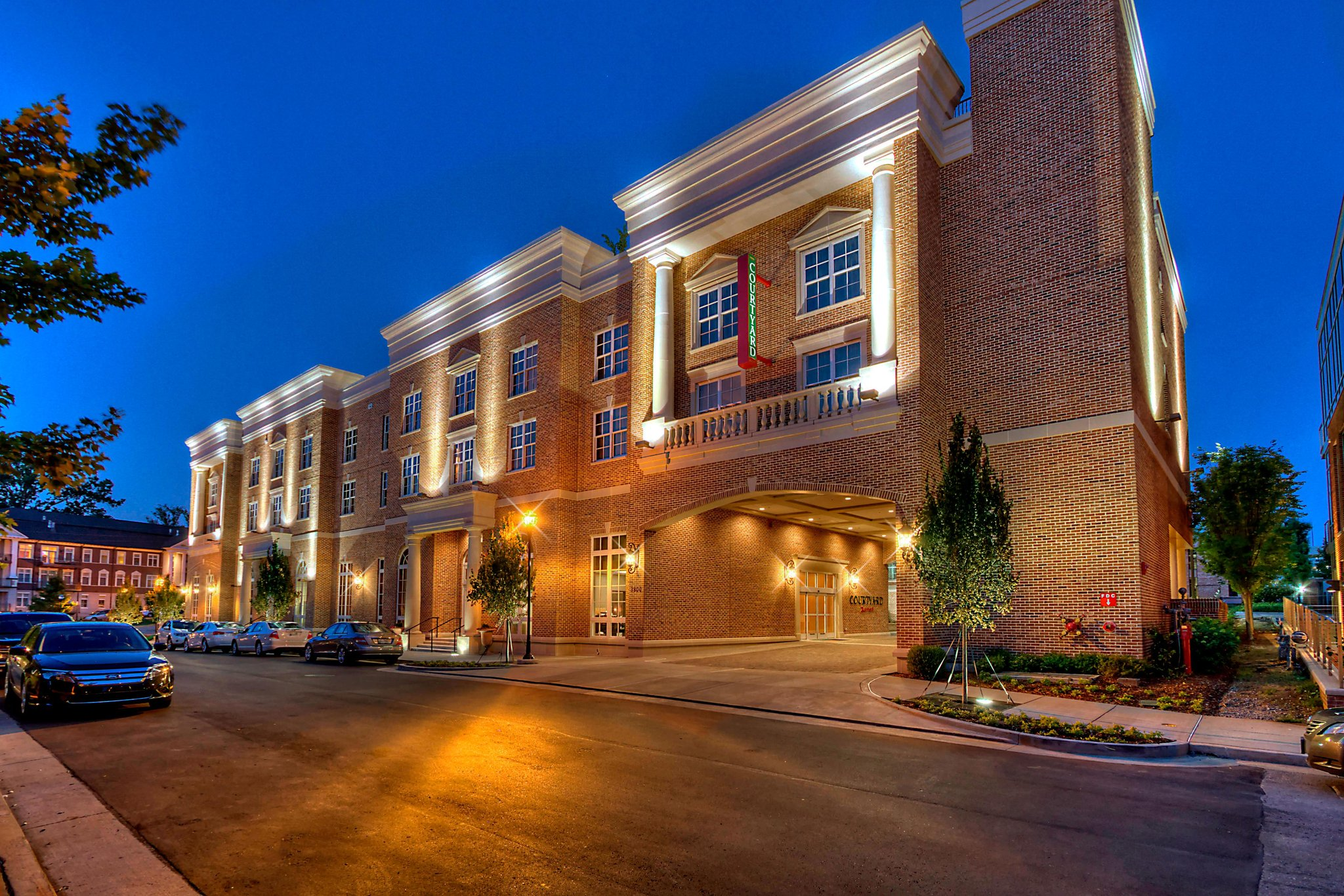 Courtyard by Marriott Green Hills