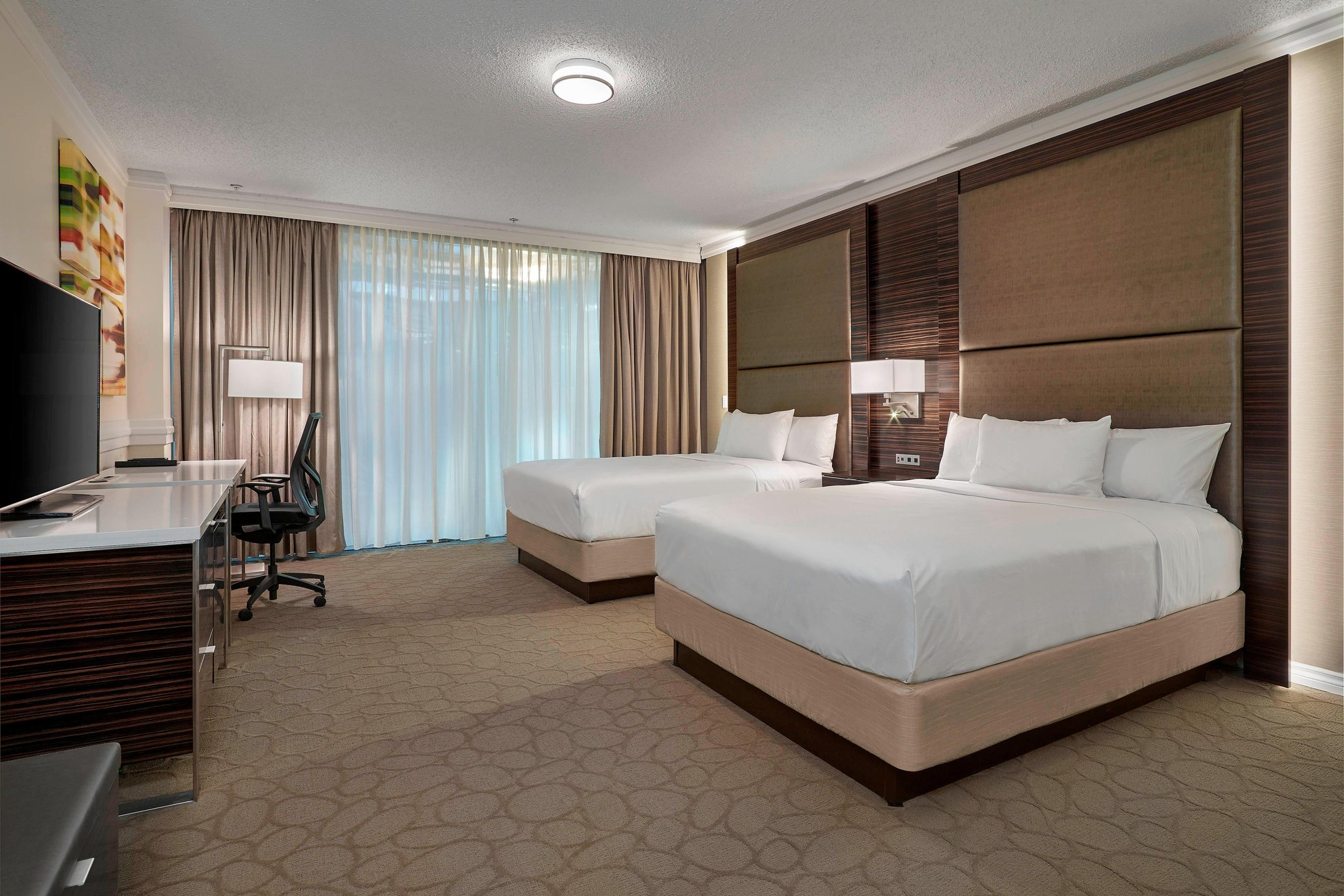 Delta Edmonton Centre Suite Hotel