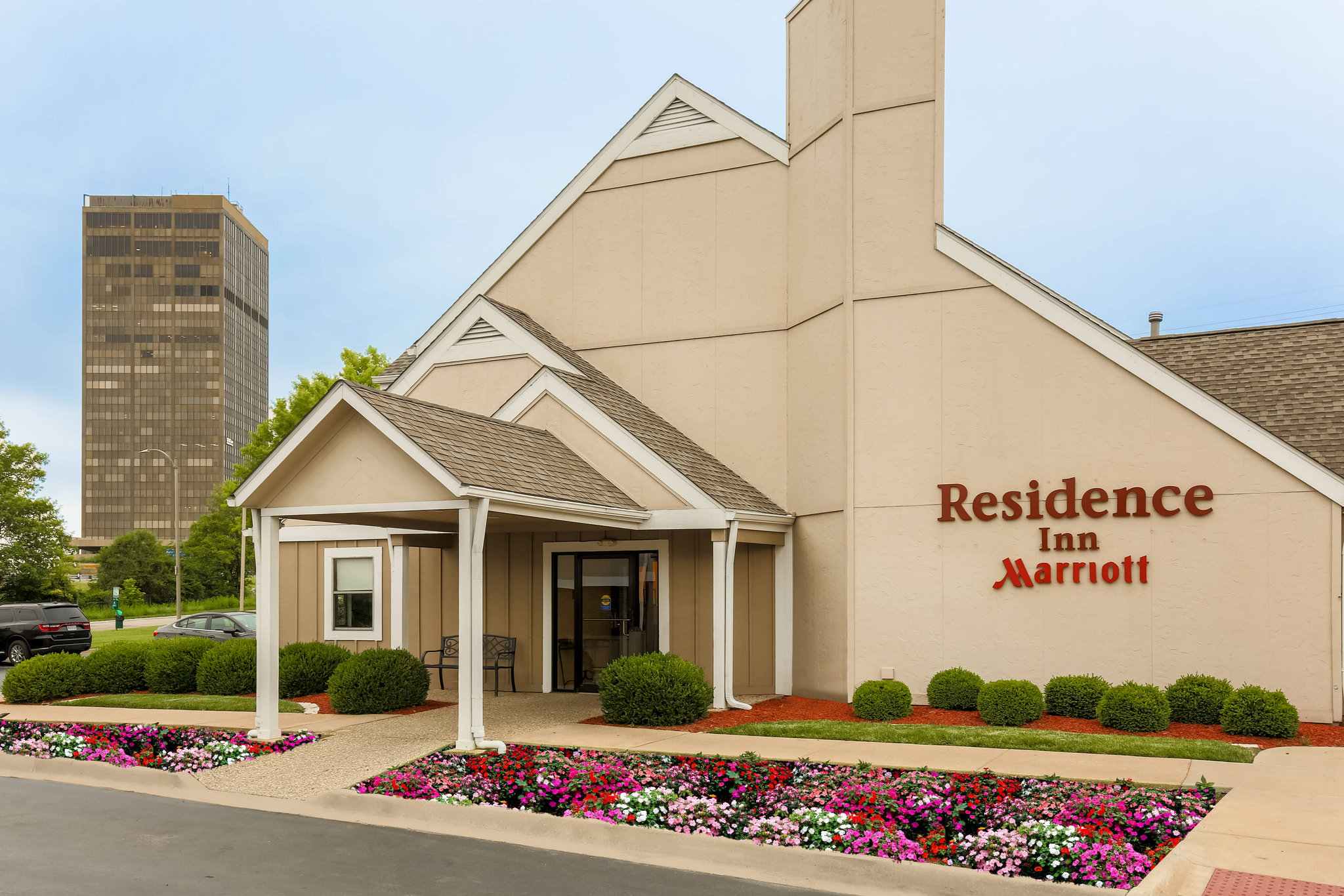St Louis Hotels Near Saint Louis Galleria- GDS Codes & Agent