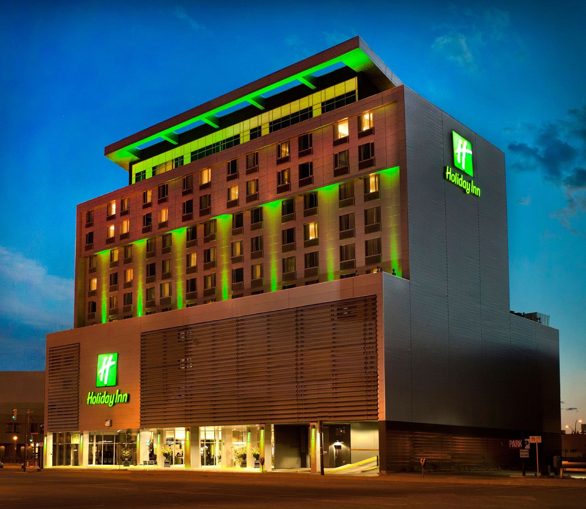 Holiday Inn Suites Saskatoon Downtown