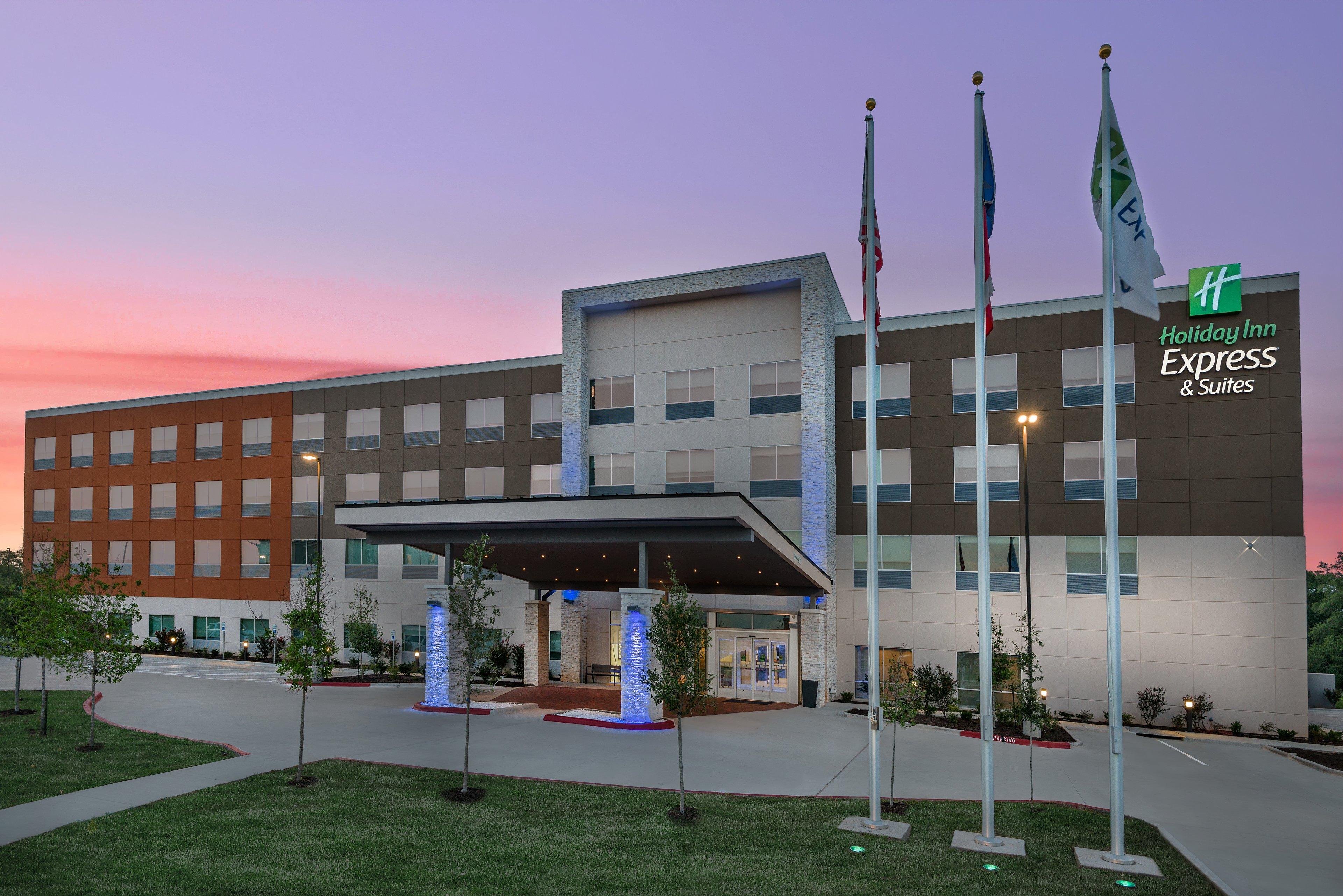 Holiday Inn Express & Suites Bryan