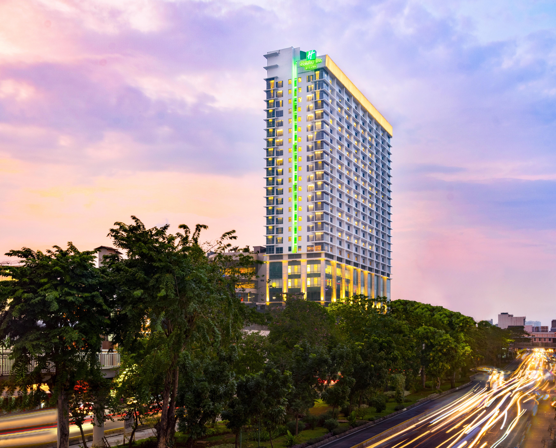 Holiday Inn Hotel Sts Jakarta Gajah Mada Jakarta Indonesia Hotels Gds Reservation Codes Travel Weekly