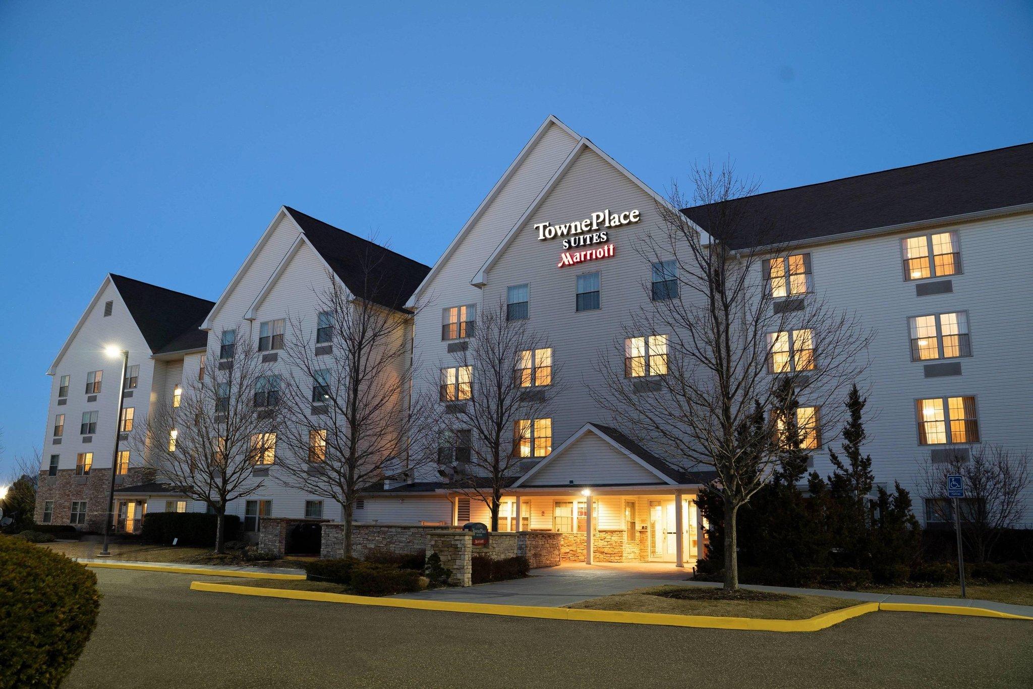 TownePlace Suites Republic Arpt Long Isl