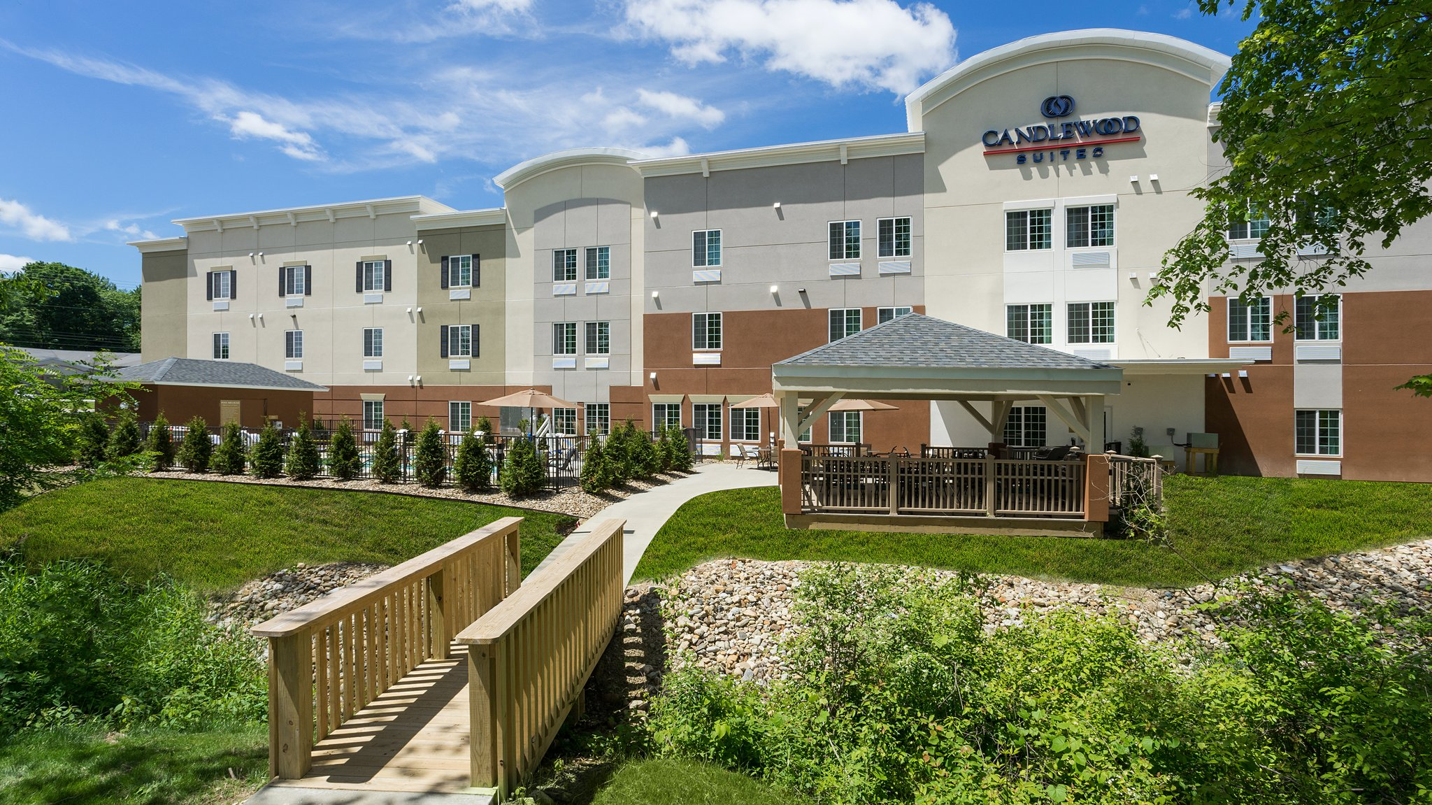 Candlewood Suites Grove City Outlet Ctr