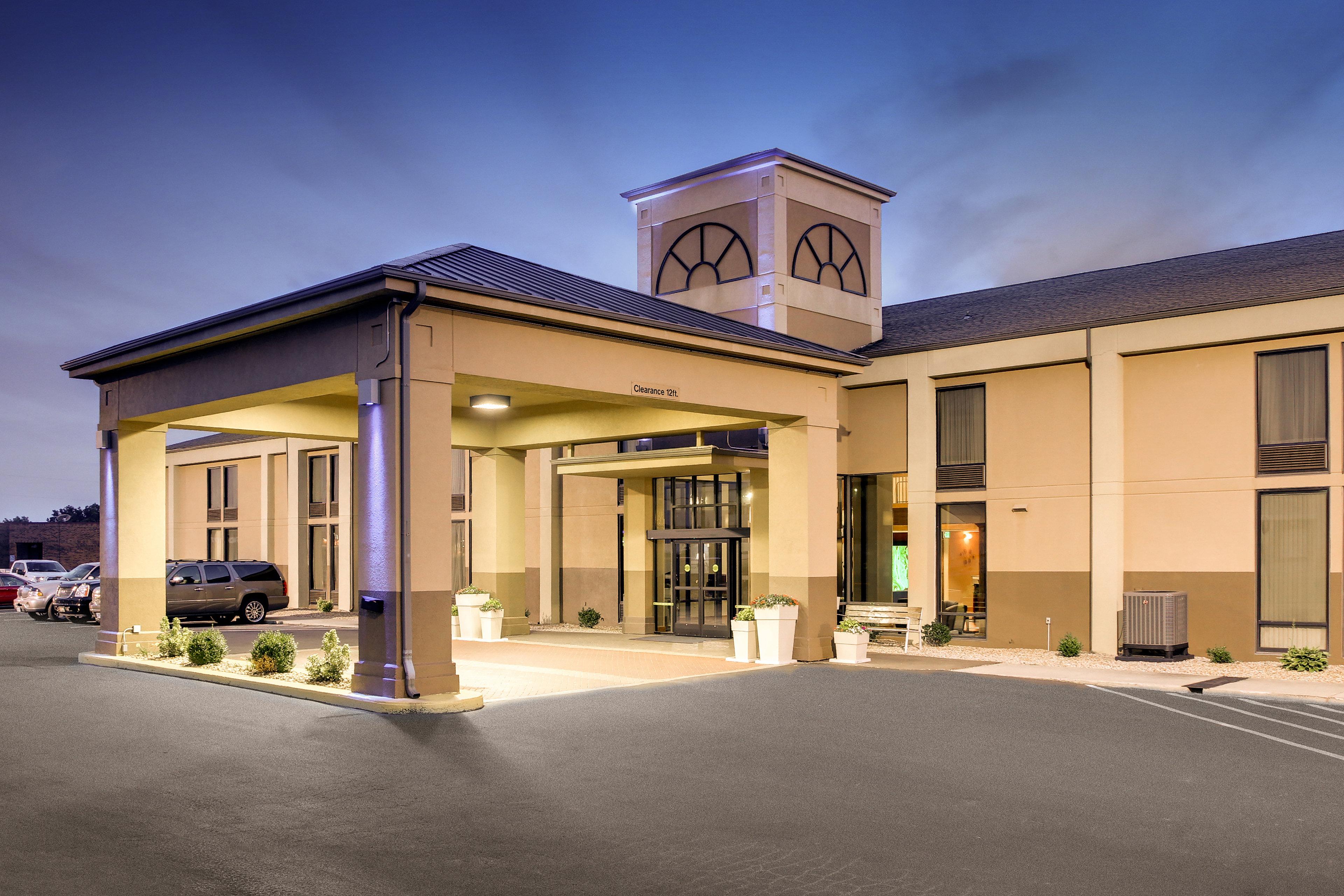 Holiday Inn Express Marshfield