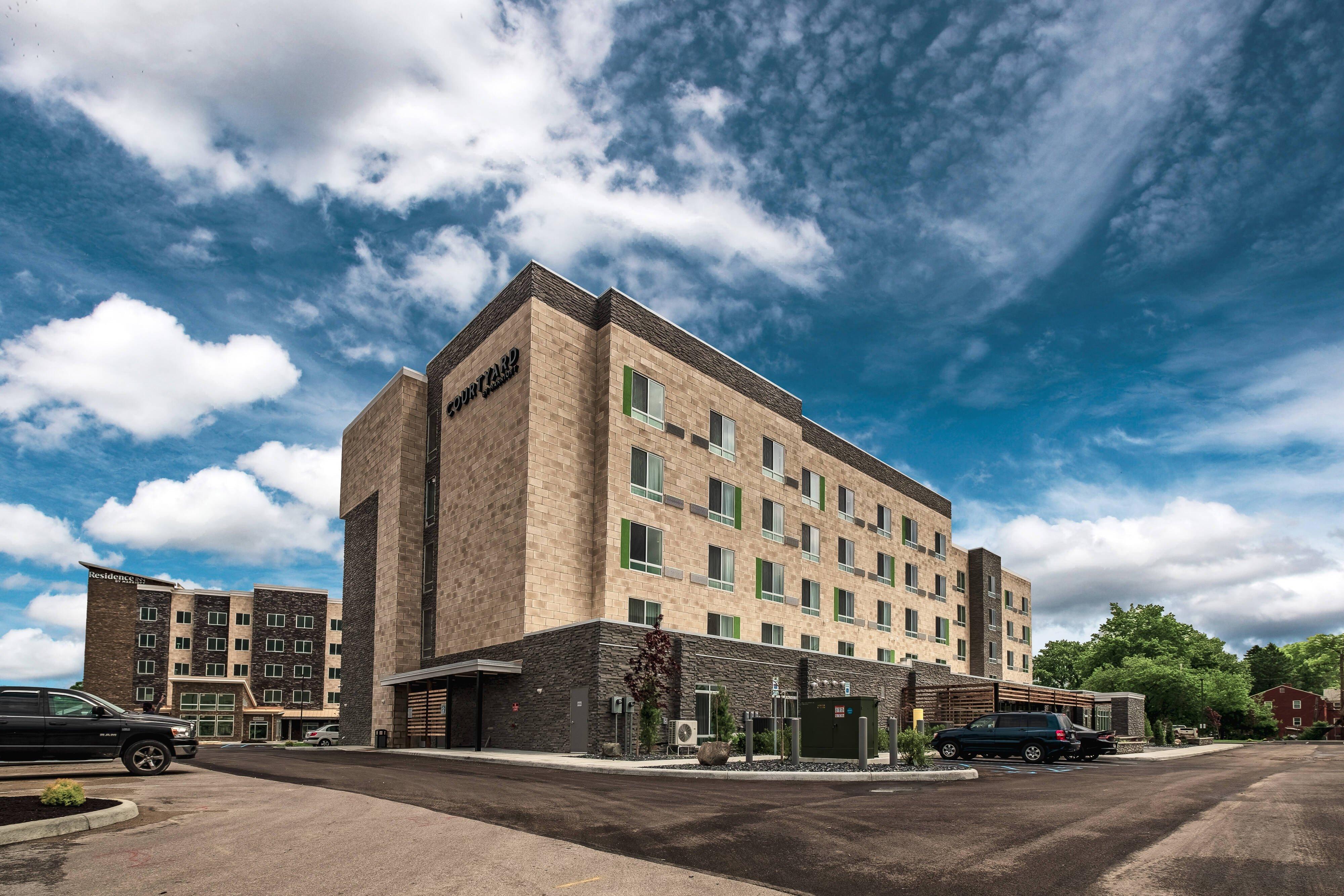 Courtyard Toledo West