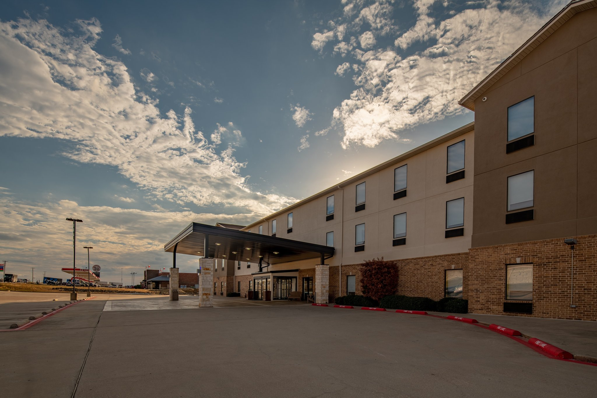 Holiday Inn Express & Suites N Waco Area