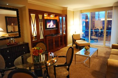 The Signature At Mgm Grand Deluxe One Bedroom Balcony Suite ...