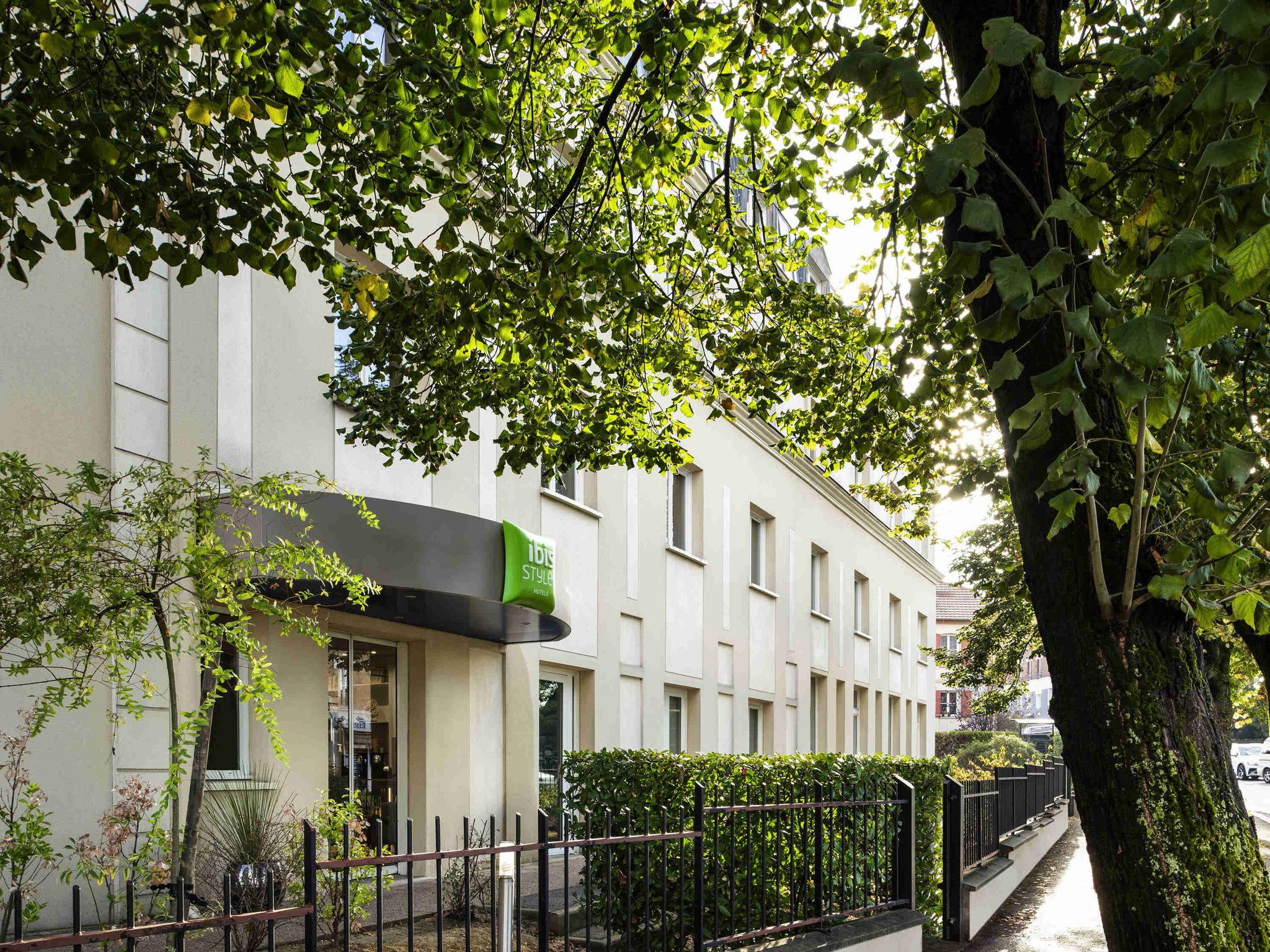 Bibliothèque De Fontenay Sous Bois hotel saint-maur creteil- st maur des fosses, france hotels