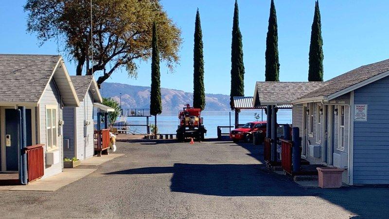 MH AnchorageInn Lakeport CA Property Exterior