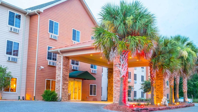 MH WildWoodInn Crawfordville FL Property Exterior