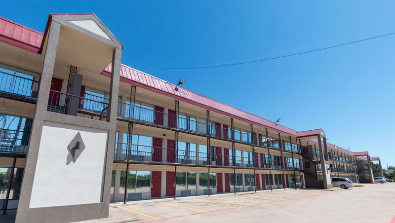 MH ExtendedStay SuitesAirport Irving TX Property Exterior