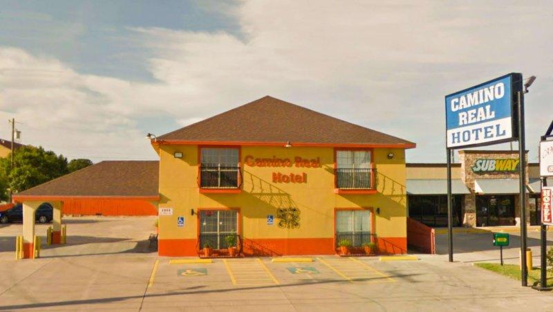 MH CaminoRealHotel EaglePass TX Property Exterior
