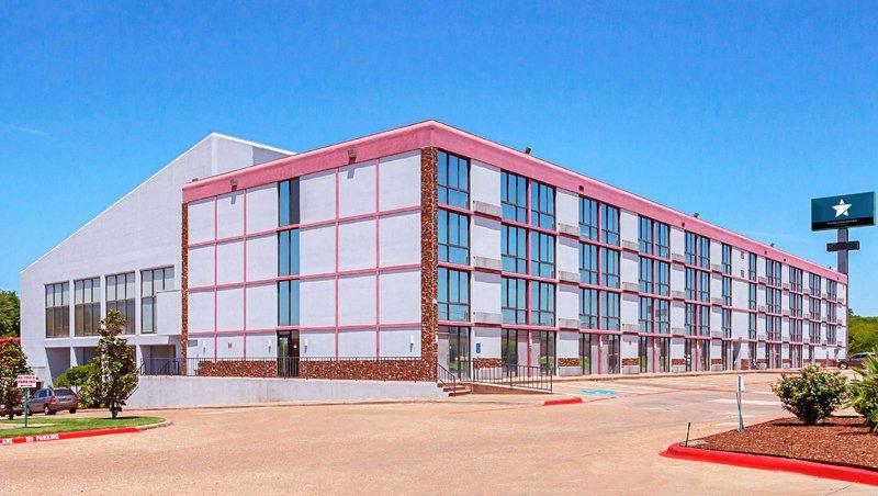 MG DeSoto EastDeSoto TX Property Exterior