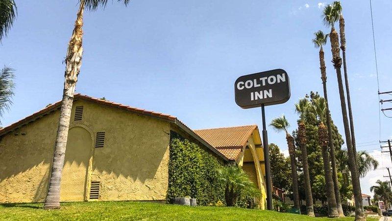MH ColtonInn Colton CA Property Exterior